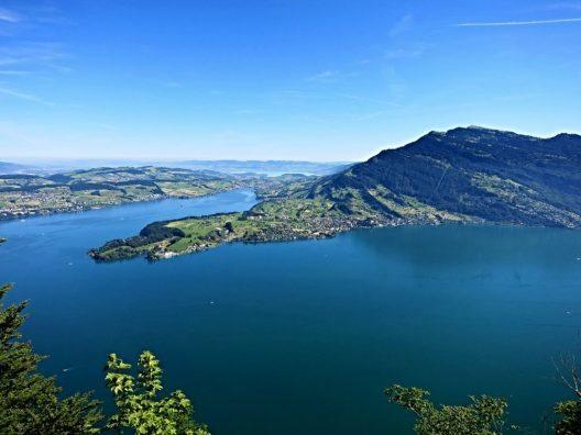 Aussicht vom Hammetschwand-Lift Richtung Norden (Bild: Tschubby, Wikimedia, CC)