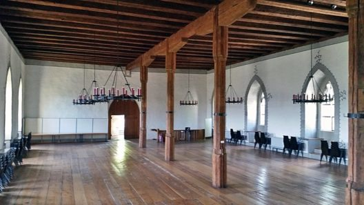 Schloss Lenzburg, oberer Saal im Ritterhaus (Bild: Andreas Faessler, Wikimedia, CC)
