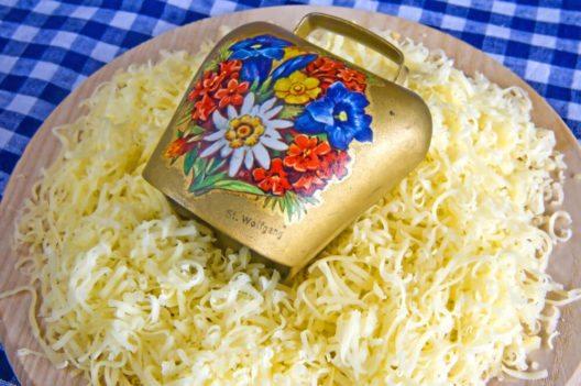 Allgäuer Käse wird gefeiert (Bild: © hjochen – Shutterstock.com)