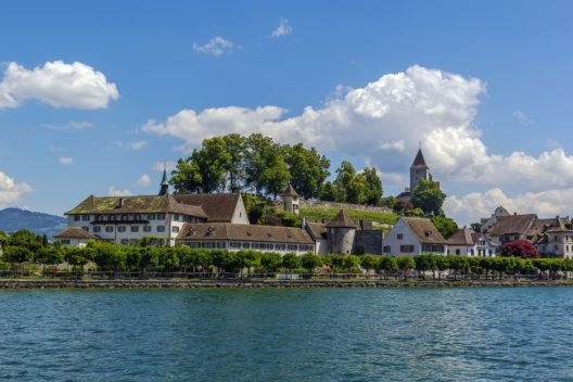 Rapperswil am Zürichsee (Bild: © Borisb17 - shutterstock.com)