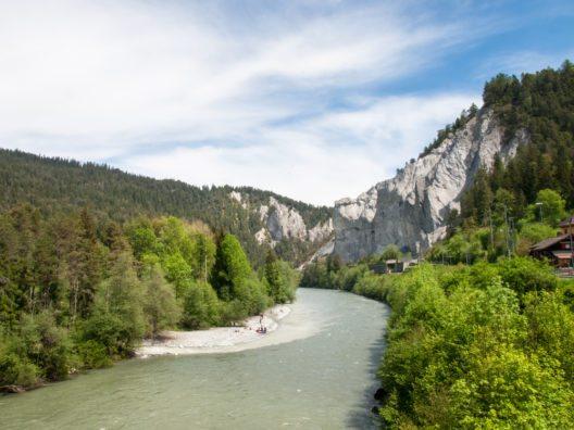 Im Nordwesten des Kantons Graubünden erstreckt sich auf einer Länge von rund dreizehn Kilometern die Rheinschlucht (Bild: © Mor65_Mauro - shutterstock.com)