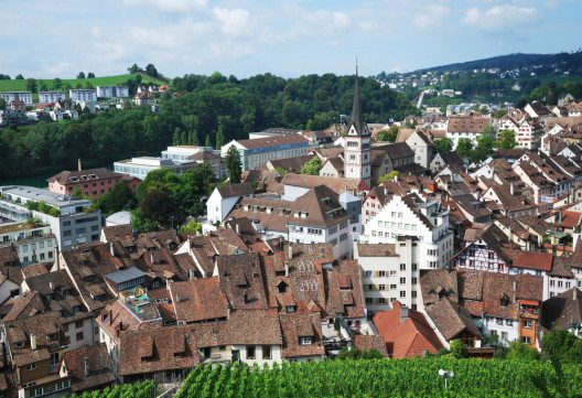 Schaffhausens Altstadt (Bild: © oksmit - shutterstock.com)