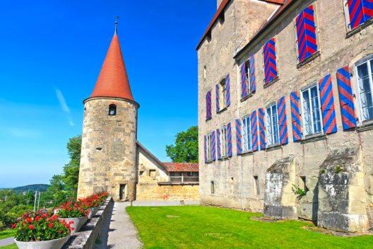 Schloss von Avenches (Bild:  Ivan Pavlov – Shutterstock.com)