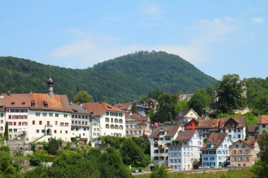 Lichtensteig im Toggenburg hat eine malerische historische Stadtanlage. (Bild: Tupungato – Shutterstock.com)