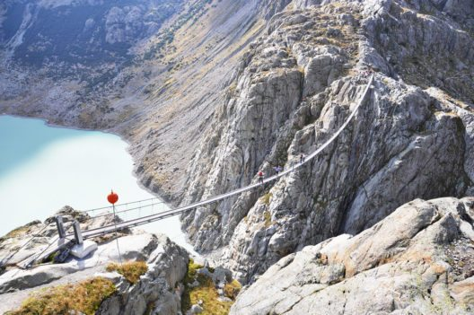Die Triftbrücke über die Triftschlucht (Bild: Capricorn Studio – Shutterstock.com)