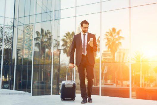 Reisemanagement outsourcen zahlt sich für Firmen aus. (Bild: © GaudiLab - shutterstock.com)