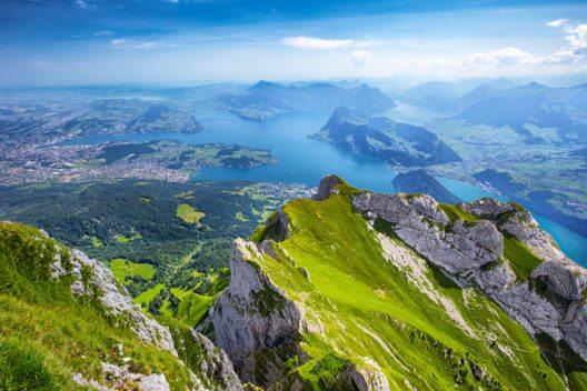 Die Rigi bildet das landschaftliche Highlight der ganzen Gegend. (Bild: gevision – Shutterstock.com)