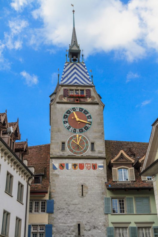 Das unbestrittene Wahrzeichen der Zuger Altstadt ist der Zytturm. (Bild: © Bertl123 - shutterstock.com)