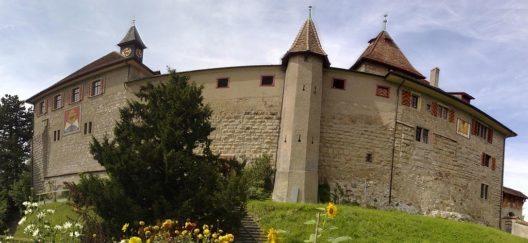 Schloss Kyburg (Bild: Giovanni-P, Wikimedia, CC)