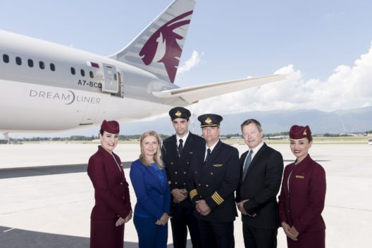 Jonathan Harding, Qatar Airways Senior Vice President Europe, und Morena Bronzetti, Qatar Airways Country Manager Schweiz (Bild: © Qatar Airways)