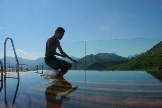 Den Besuchern eröffnet sich dank der einmaligen Lage ein faszinierender Panoramablick von 360 Grad über die wunderschöne Bergwelt der Steiermark.
