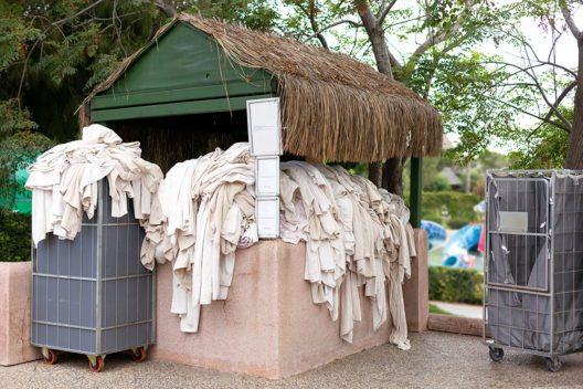 Benutztes Handtuch aus dem Wäschestapel für die Gäste?! (Bild: © Ekaterina_Molchanova - shutterstock.com)