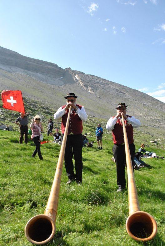 Auf dem Gemmi wird sich zu dem einzigartigen Folklorefest versammelt.