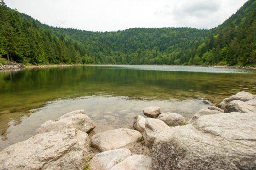 See in den unteren Bergen der Vogesen (Bild: © J. Marijs - shutterstock.com)