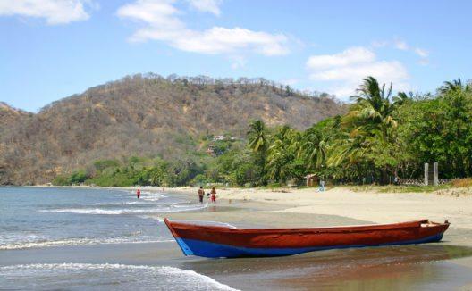 Playa Hermosa (Bild: © Luis César Tejo - shutterstock.com)