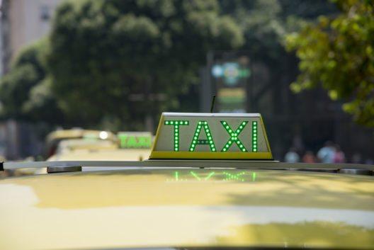 In den Metropolen Brasilia, Rio de Janeiro und Saõ Paulo ausschliesslich die offiziellen Taxis benutzen. (Bild: CP DC Press - shutterstock.com)