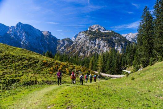 Wanderparadies Achensee (Bild: Raymond Thill – Shutterstock.com)