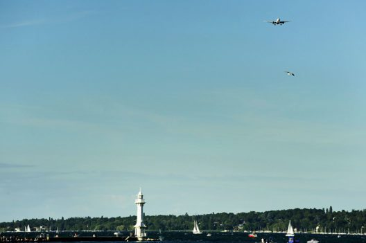 SWISS Bombardier C Series-Überflug beim Geneva Lake Festival (Bild: © Laurent Guiraud)