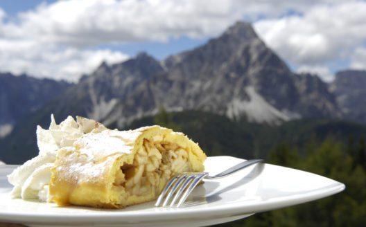 Regionale Schmankerl im Südtiroler Hochpustertal (© TVB Hochpustertal/E. Steiner)