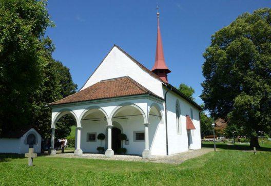 Die Schlachtkapelle (Bild: Adrian Michael, Wikimedia, GNU)
