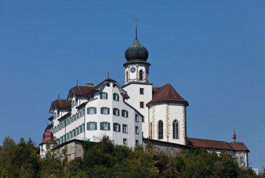 Wallfahrtskirche und Kloster in Werthenstein (Bild: Roland Zumbuehl, Wikimedia, CC)