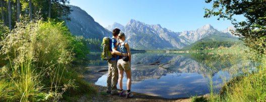 Ganz im Süden des Almtals: Der Almsee. Praktisch mitten im Toten Gebirge! (Bild: MTV Almtal/Röbl)