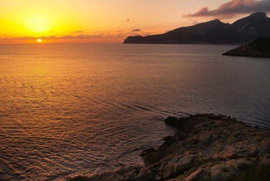 Sonnenuntergang in Sant Elm (Bild: fincallorca)