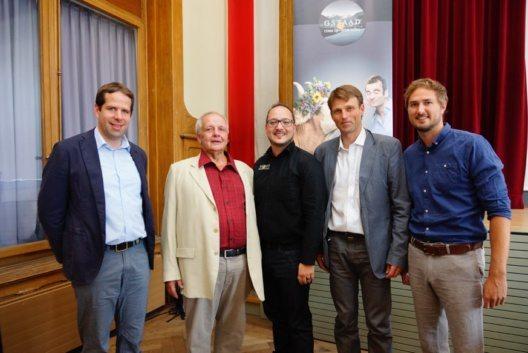 Matthias In-Albon (Geschäftsführer BDG), Heinz Brand (VR-Präsident BDG), Adrian Di Camillo (neuer Finanzleiter BDG seit August), Holger Schmid (neuer Verwaltungsrat BDG), Andreas Wandfluh (Geschäftsführer Gstaad Marketing GmbH). (Bild: Bergbahnen Destination Gstaad AG)