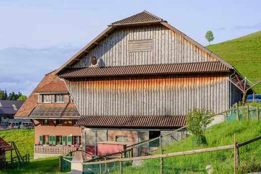 Bauernhaus in Hergiswil (Bild: Norbert Nagel, Wikimedia, CC)