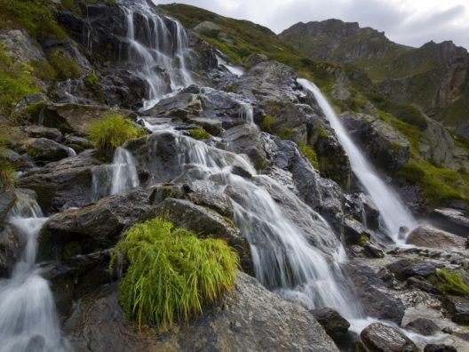 Die tropisch-alpine Brenno-Schlucht im Tessin. (© Ticino Turismo, R. Gerth)