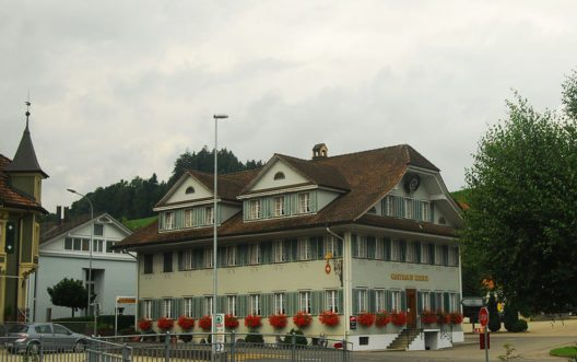 Gasthaus Kreuz in Hergiswil (Bild: DidiWeidmann, Wikimedia, CC)