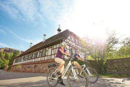 Mit dem Fahrrad die Gegend erkunden.