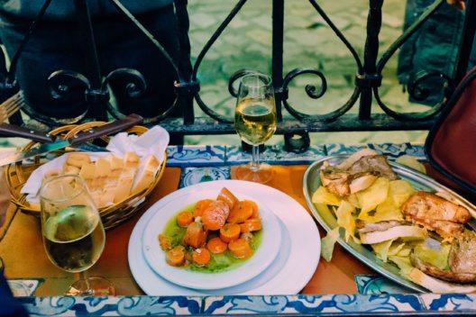 Hochburg der Tapas-Kultur ist Sevilla.