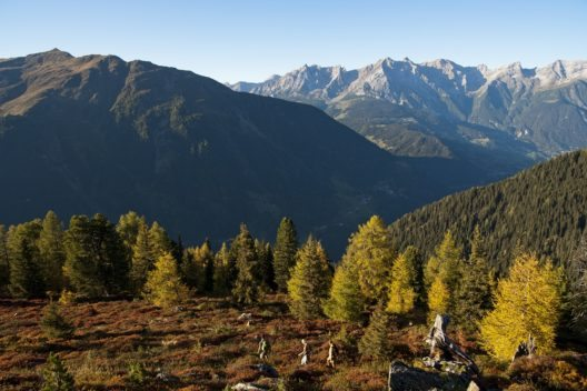 See ist ein beliebter Ferienort am Eingang des Paznauntals im österreichischen Bundesland Tirol