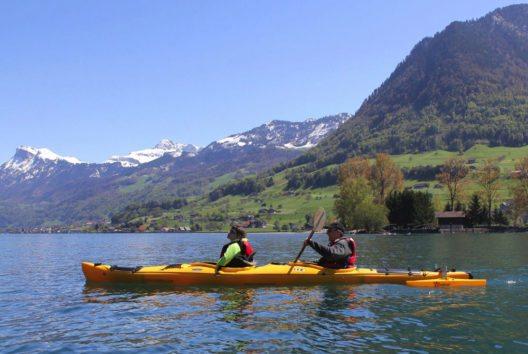 Fahrt mit dem Spezialkajak von Cerebral auf dem Vierwaldstättersee (Bild: Schweiz Tourismus)