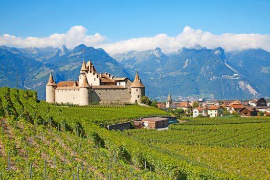 Schloss Chateau d' Aigle im Kanton Waadt, Schweiz. (Bild: © Fedor Selivanov - shutterstock.com)