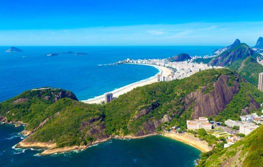 Luftbild von Botafogo, Copacabana und Ipanema Strand in Rio de Janeiro. (Bild: Filipe Frazao - shutterstock.com)