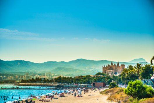 Strand von Palma de Mallorca (Bild: © Romas_Photo - shutterstock.com)