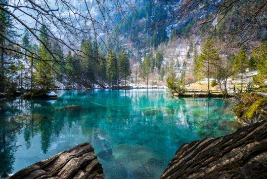 Blausee, Bern-Berner Oberland (Bild: © SABPICS - shutterstock.com)