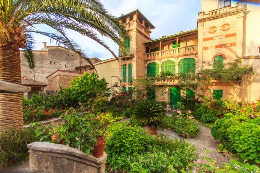 Altstadt von Palma de Mallorca (Bild: © Marcin Krzyzak -shutterstock.com)