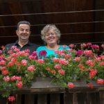 Gastgeber Erna und Bruno Salis aus Bivio (Bild: © Graubünden Ferien/Yvonne Bollhalder)