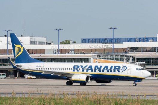Die irische Fluggesellschaft Ryanair stationiert vier weitere Flugzeuge am Standort Schönfeld und erweitert ihren Flugplan um 16 weitere Destinationen.