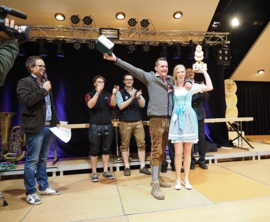 Bester Kinderkäse des Jahres wurde der Schnittkäse über 45% FiT vom Schweizer Valentin Peer von der Alp Uina Dataint.
