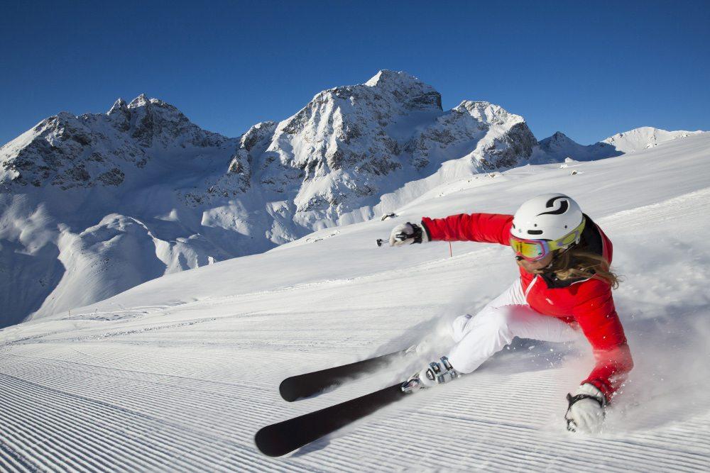 Abfahrt im Skigebiet Corviglia (Bild: Engadin St. Moritz / swiss-image.ch / Christof Sonderegger)