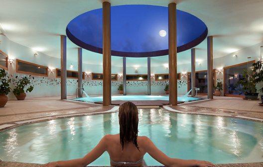 Hotel Marinedda - Pool (Bild: © Delphina Hotels & Resorts)