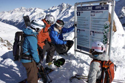 """""""Check your line"""" heißt es für Freerider am Kaunertaler Gletscher. (Bild: Kaunertaler Gletscherbahn)"""