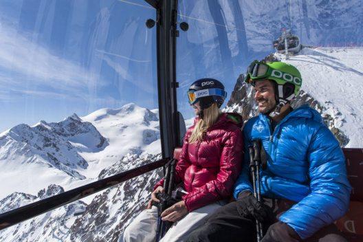 Die Wildspitzbahn bringt Wintersportler schon im Herbst auf die schneesicheren Pisten am Pitztaler Gletscher. (Bild: Daniel Zangerl)