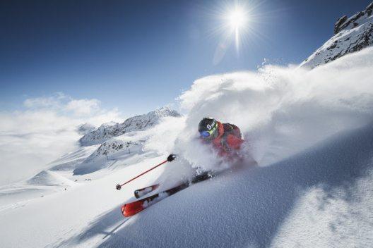 Skifahren am Gletscher (Bild: Stubaier Gletscher, Andre Schönherr)