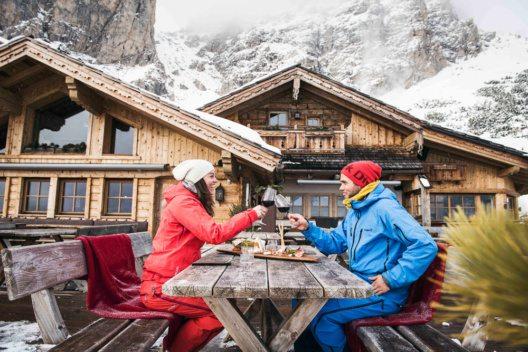 Der offizielle Start von Skifahren mit Genuss und der kulinarischen Saison auf den Pisten von Alta Badia wird am 11. Dezember sein. (Bild: © PPR/Alta Badia/Andre Schoenherr)