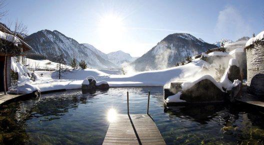 Quellteich in der Wintersonne (Bild: Hotel Jungbrunn)